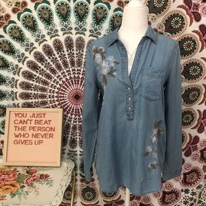 Express embroidered long sleeve top in size Small